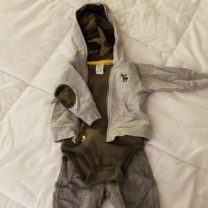 Carter's 6 month Outfit